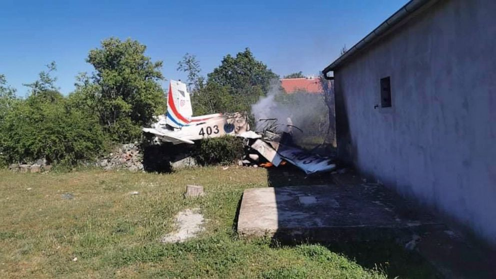 Croatia defense minister resigns after plane crash kills 2 air force members